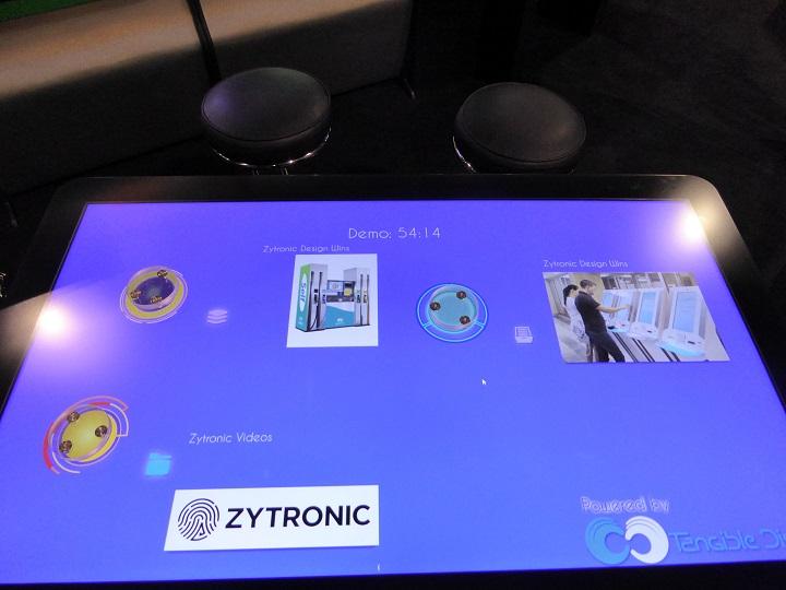 Zytronic 和Tangible Display 领先业界 提供大尺寸触摸桌对象识别功能