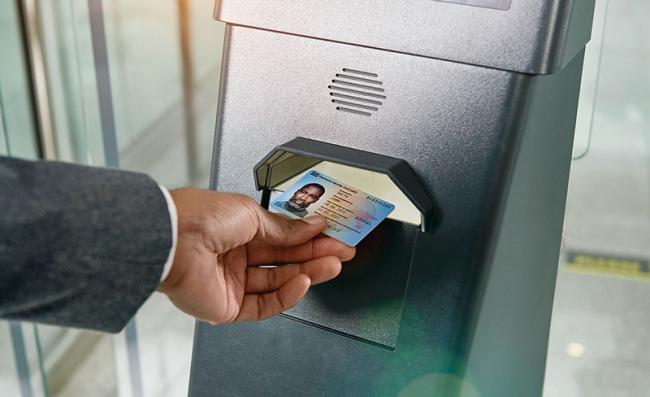 线圈模块封装用于非接触式身份证:英飞凌提供集成芯片和天线的完备解决方案
