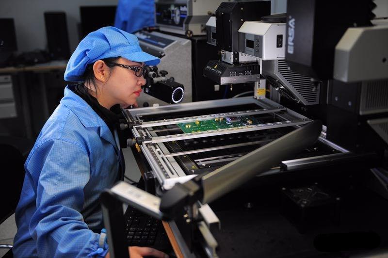 航天PCB焊接女悍将 百万焊点标准精致