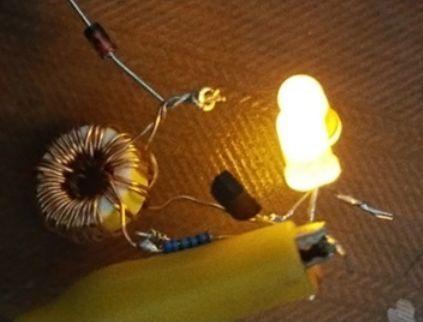 焦耳小偷电路榨干每一节废旧干电池