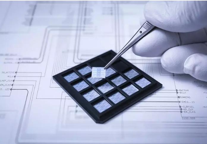 人才教育是成都IC设计工业的王牌