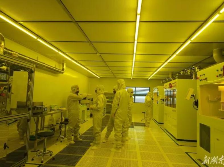 探访我国首条压敏传感芯片生产车间