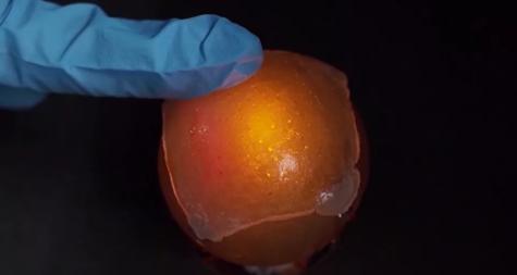 科学家研发出一种自我修复、可拉伸的电子皮肤