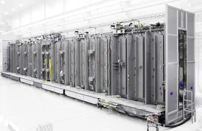 应用材料公司携业界最全套10.5代线生产设备展现行业领导力