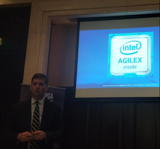 英特尔为何敢说Agilex是首款面向数据中心的FPGA