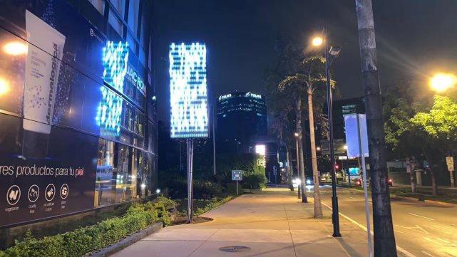 科鑫光电超大号led超薄灯杆屏亮相危地马拉共和国