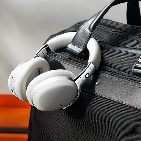 QCC5100系列助力万宝龙打造首款无线智能耳机,体验悦耳音质