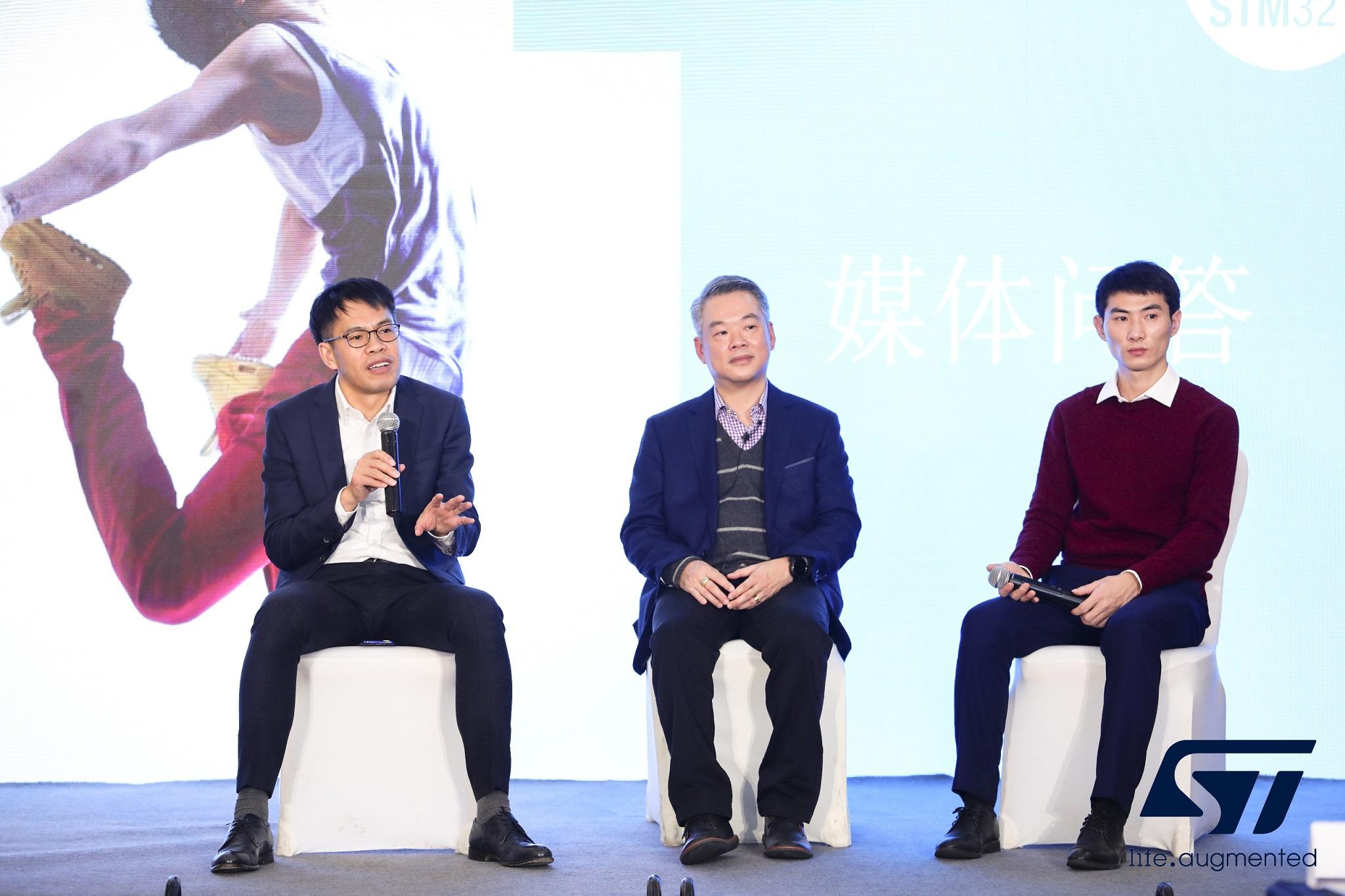 从左到右:曹锦东,陈德勇,徐向东.jpg